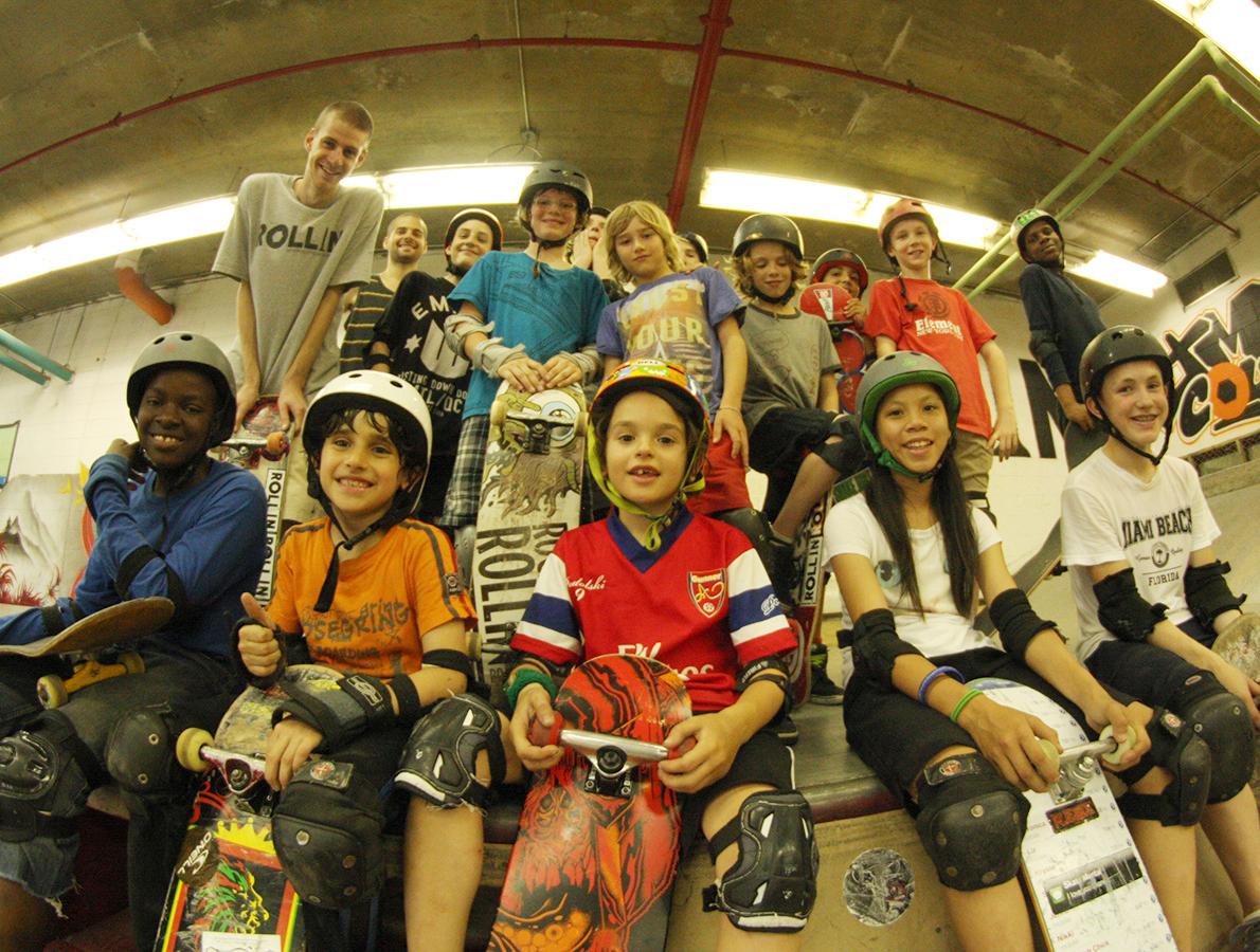 2014-groupe-camp-jour-skateboard-jmcourt1