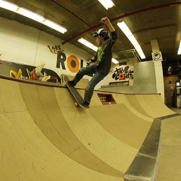 2014-3-skateparc-jmcourt-bowl-corner-