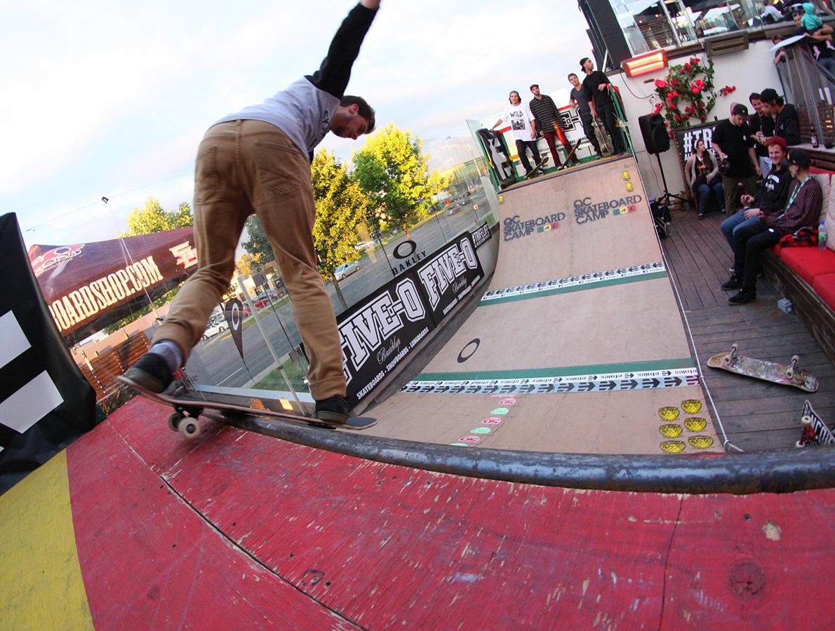 2014-9-demonstration-skateboard-hawaii-five-o