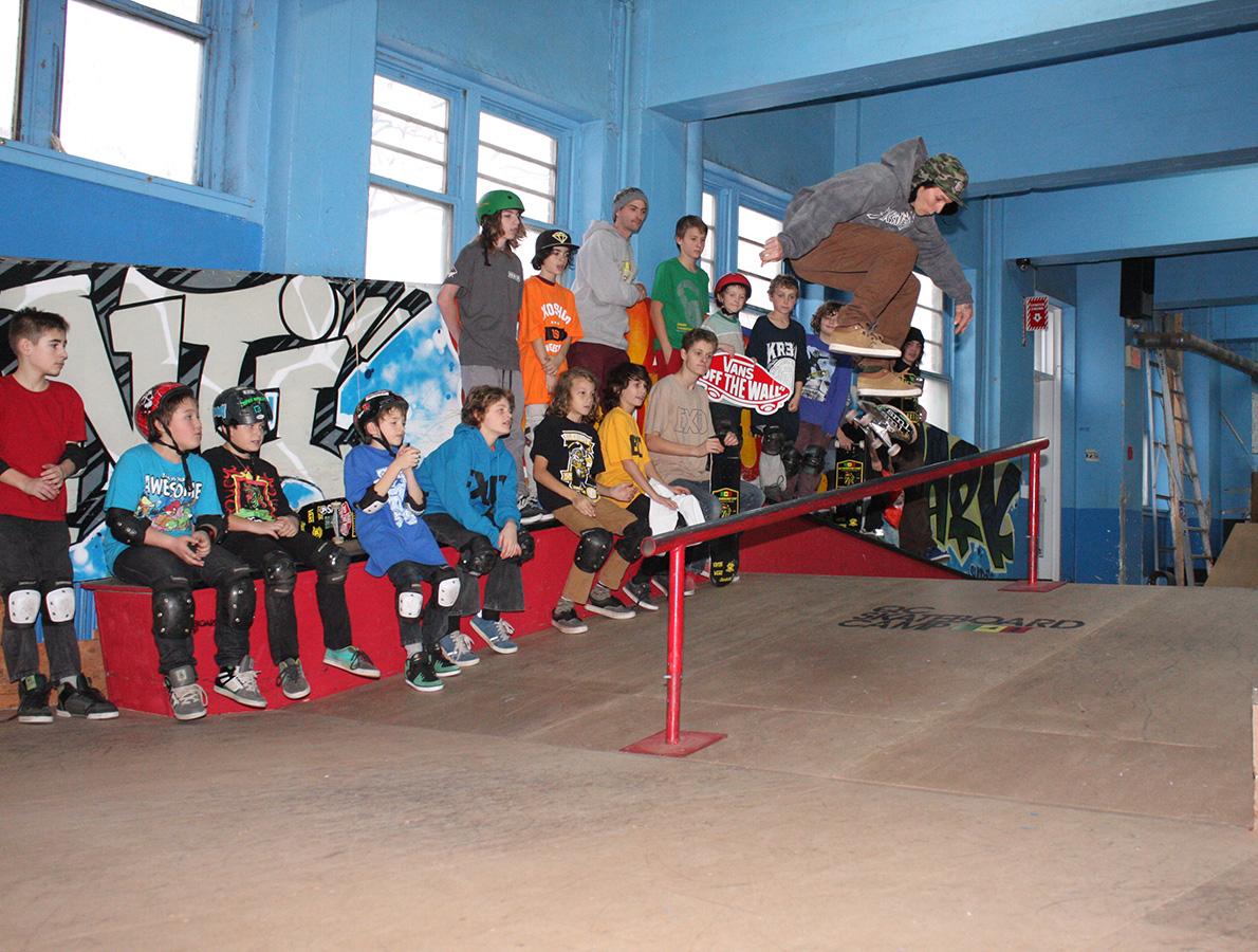 2014-camp-hivernaux-demo-anti-skateparc