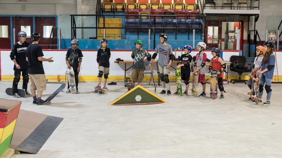 3_qcskatecamp__camp_skate_vacances_web_cours_de_skate-e1481827554696
