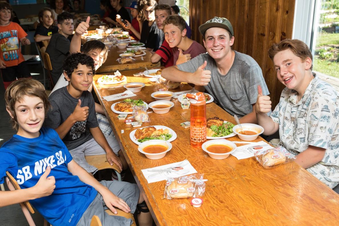 8_qcskatecamp__camp_skate_vacances_web_nourriture-e1481827433274